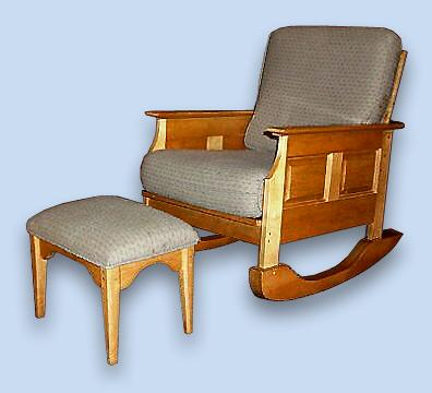 Maple Colonial Cushioned Rocker