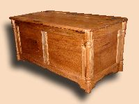 olid Butternut Rustic Bench / Hope Chest